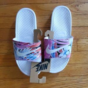Nike Benassi Floral Print Slides Size 11